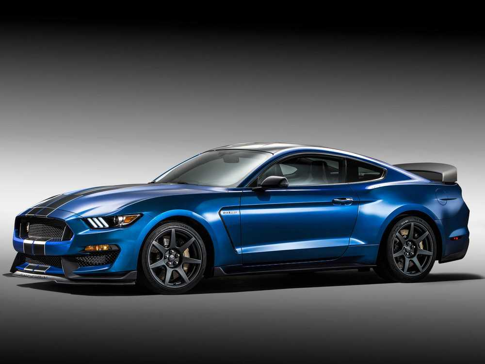 fords-shelby-gt350r-is-the-baddest-mustang-of-them-all.jpg