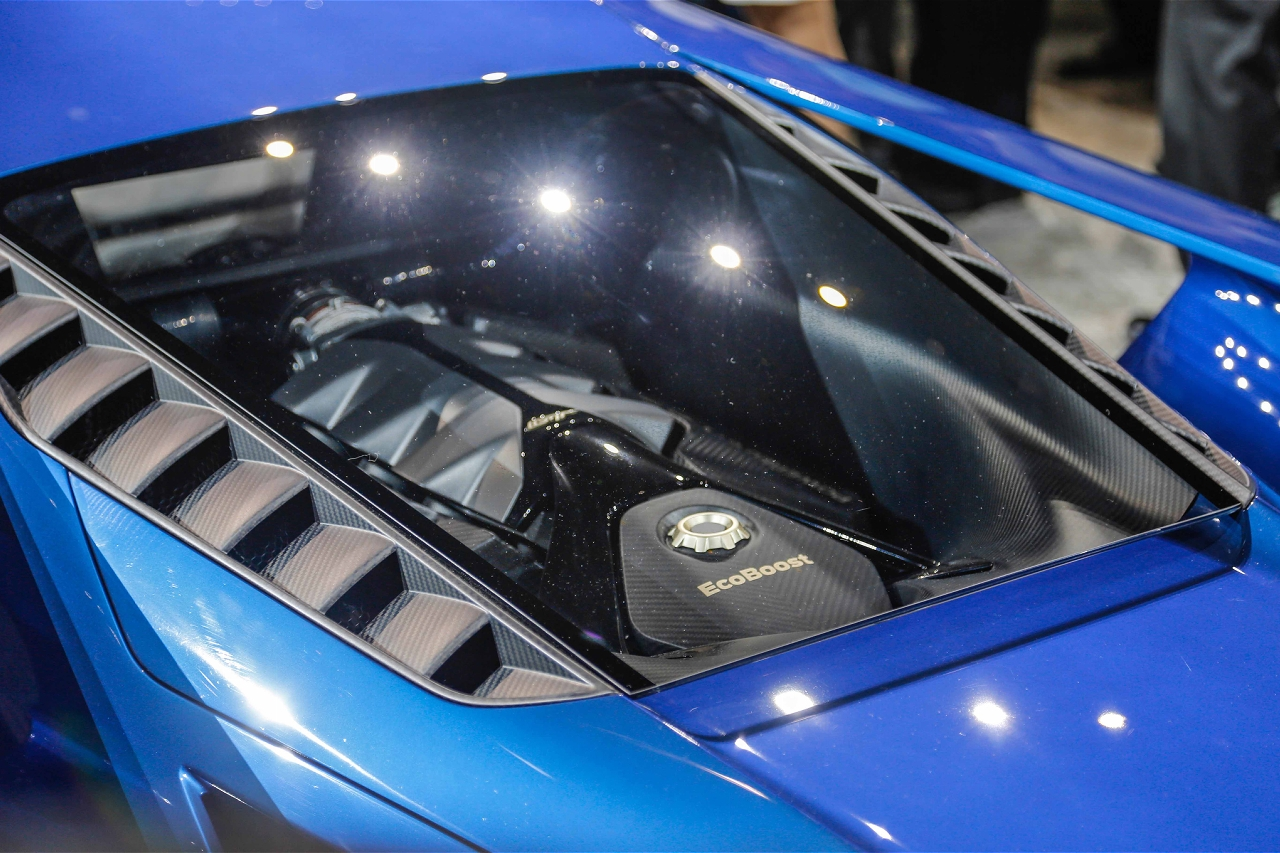 ford-gt-at-2015-detroit-auto-show-engine.jpg